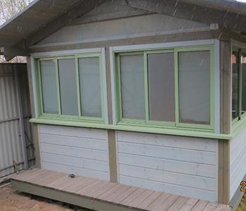 Трехполосное алюминиевое раздвижное остекление балконов, лоджий, веранд или террасы